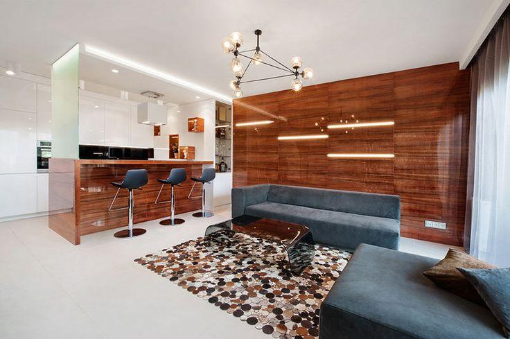 Drewno na ścianie w salonie / Wood wall design.