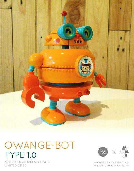 """OWANGE-BOT"" 8inch with articulated resin figure by Kong Andri x My Royal Ego (.com), limited to 30pcs only available at kongandri.storenvy.com or contact to : contact@myroyalego.com for more info."