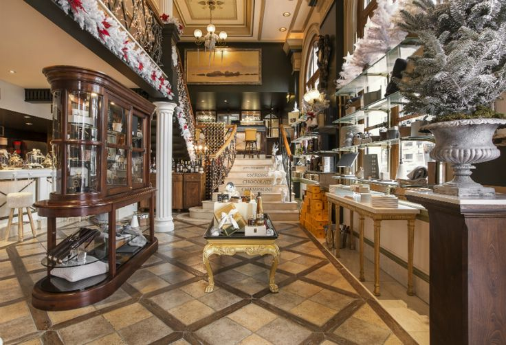 Festive Gift Ideas at the GB Corner Gifts & Flavors Shop in Athens, at Syntagma Square!