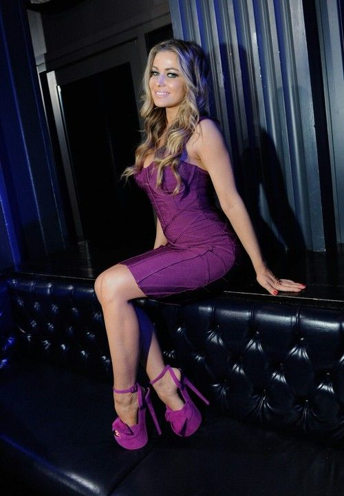 "( 2016 ) ☞ HOT CELEBRITY WOMAN ★ CARMEN ELECTRA IN A MINISKIRT AND HIGH HEELS ) ★ Tara Leigh Patrick - Thursday, April 20, 1972 - 5' 2½"" - Sharonville, Ohio, USA."