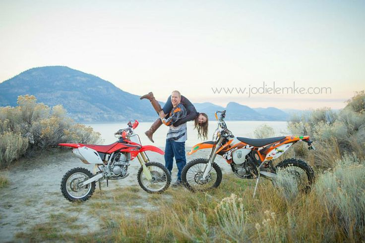 My fiancé and I Dirt bike engagement photo dirt bike picture dirtbike couple jodie lemke photography penticton