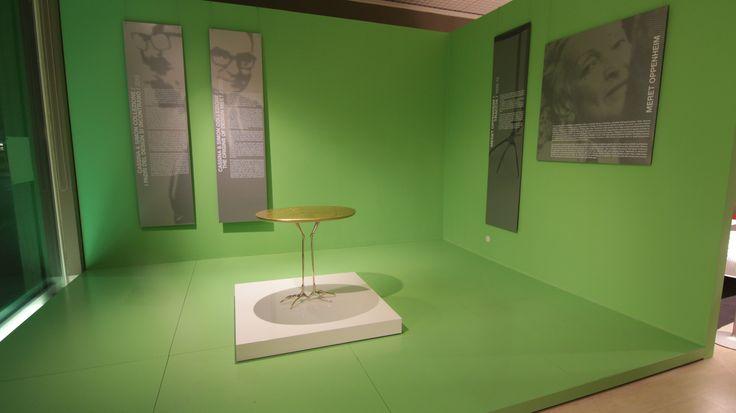 1939/1972 - Design Meret Oppenheim #tavolino #meretoppenheim