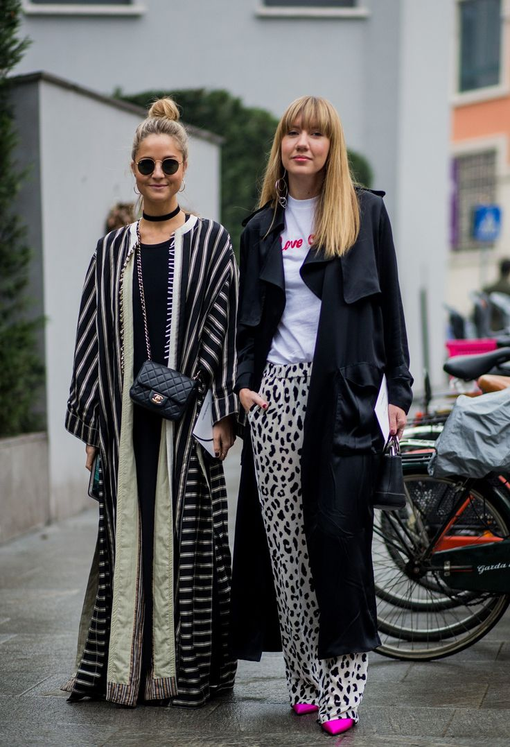 It's Fashion Week in Milan! Check out all the best street style from fall/winter 2017 here.
