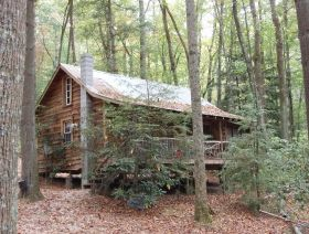 Cabin Fever Cabin Rentals in Saluda, NC:  Southfork in the Fall...looks great ...we need to check it out !!!