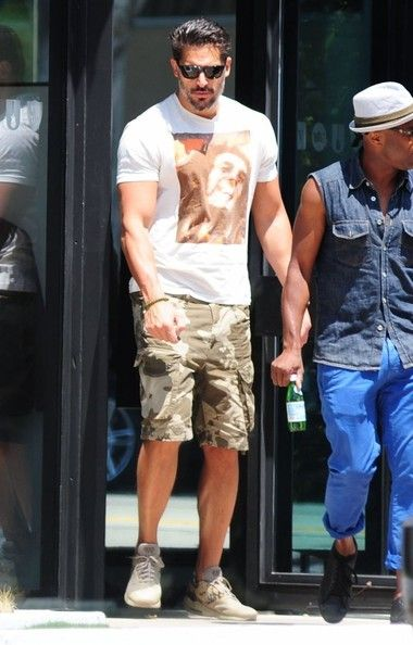 Joe Manganiello Photos Photos - 'True Blood' actor Joe Manganiello out shopping at John Varvatos in West Hollywood, California on June 12, 2014. Joe was recently awarded the Triple Threat Award at the Maui Film Festival. - Joe Manganiello Out Shopping In West Hollywood