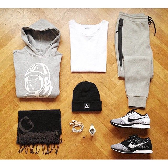 Here we have an outfit by @oliviergrosseau (Instagram) with his flyknit racers #TheSoleLibrary #SoleLifestyle