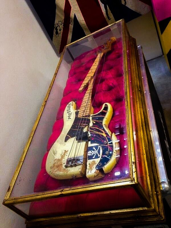 (^o^) Paul Simonon of the Clash, smashed Fender P-bass.... The famous guitar was on display in September of 2013 at Black Market Clash Exhibition in London.
