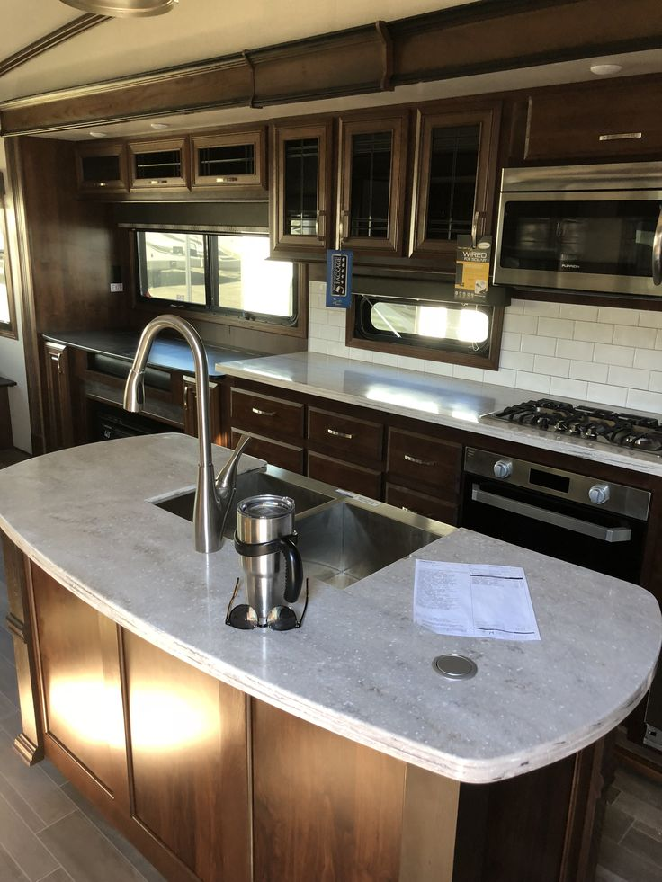 2019 Jayco Pinnacle 36KPTS Rv living, Kitchen island