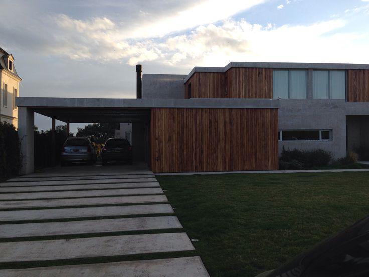 Casa Minimalista Con Entrada De Autos Entrada Casa