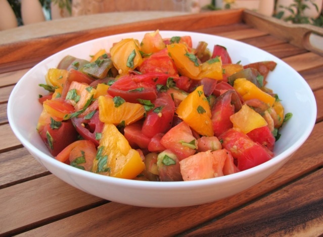 Marinated Heirloom Tomato Salad: Black Peppers, Tomatoes Salad Recipes, Healthy Summer Recipes, Heirloom Tomatoes Salad, Delectable Recipes, Marines Heirloom, Favorite Recipes, Tomato Salad Recipes, Delicious Eating