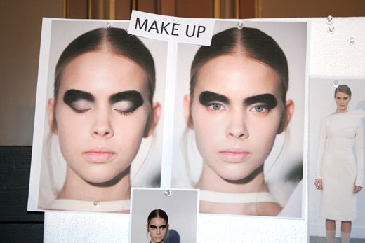 Backstage at Ingrid Vlasov AW 2011 – 12 show in Paris – A QUEEN