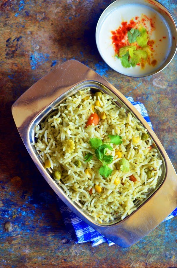 Spicy, flavorful and vibrant pulao with cilantro paste, chutney chawal!  Recipe @ http://cookclickndevour.com/mint-coriander-pulao-reipe-chutney-chawal-recipe-pulao-recipe  #cookclickndevour #vegan #recipeoftheday