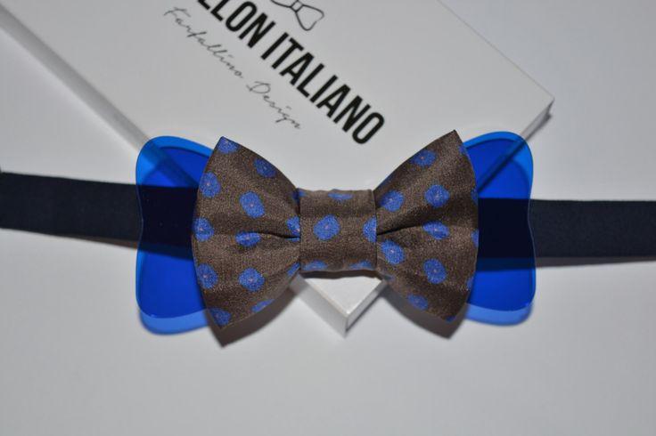 Papillon Italiano in Seta fiori fondo marrone con inserto in Plexiglass Blu - Handmade 100% Made in Italy - Bowtie di PapillonItaliano su Etsy  #papillonitaliano #papillon #seta #silk #bowtie #handmade #madeinitaly #love #artigianale #accessory #uomo #donna #style #outfit #fashionblogger #man #men #woman #moda #fashion #style #shopping #shoponline #italianstyle #plexiglass #etsy #seta