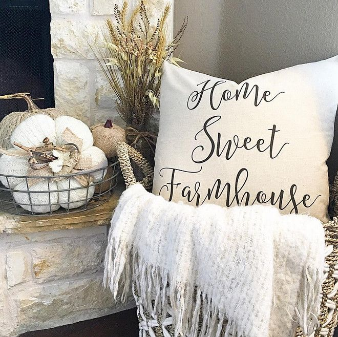 farmhouse-pillow-pillow-is-by-sovintagechic thedowntownaly via Instagram.