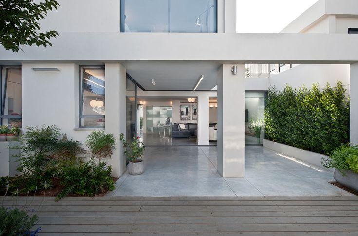 http://cdn.home-designing.com/wp-content/uploads/2014/07/marble-patio.jpeg