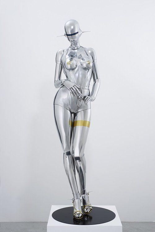 空山 基 《セクシーロボット》 2016年 FRP、鉄、金・銀メッキ調塗料、LEDネオンライト