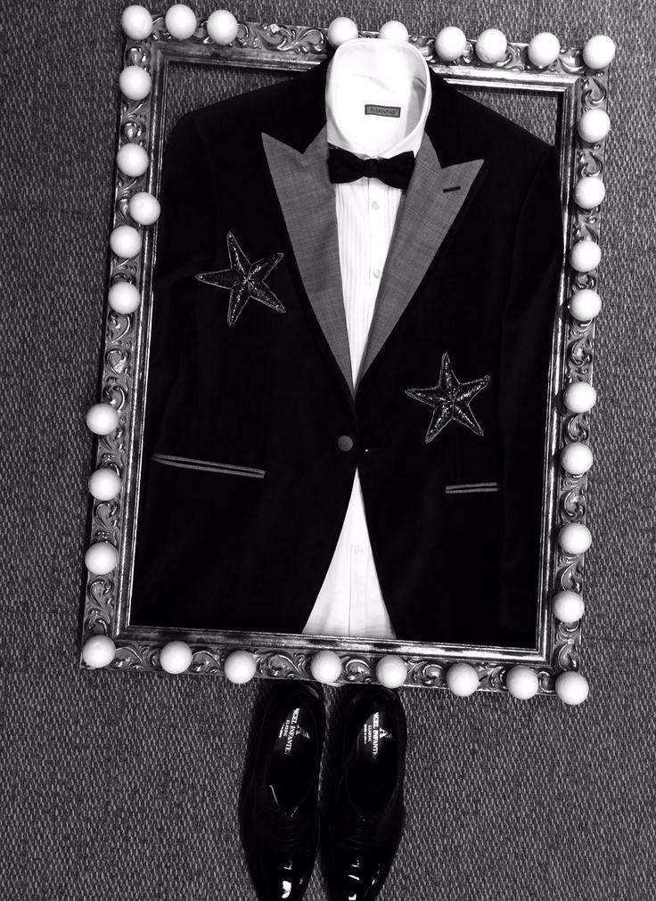 ¿Y para Él? Para una #Nochevieja inigualable, os proponemos este conjunto. ¿Qué te parece? #moda #hombre #guapo #traje #pajarita #chaqueta #diseño #fashion #12uvas #FinDeAño #AñoNuevo #elegante