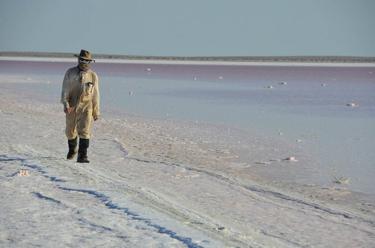 Amazing picture of adventurer Jon Muir. His attempt to canoe down Cooper Creek to Lake Eyre is in issue 82.