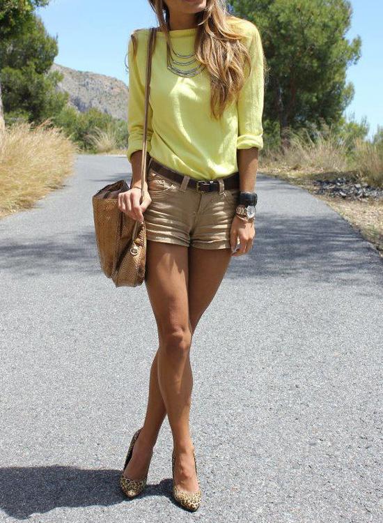Fashforfashion -u265b STYLE INSPIRATIONSu265b. Khaki shorts with yellow. Summer outfit | Outfit ...