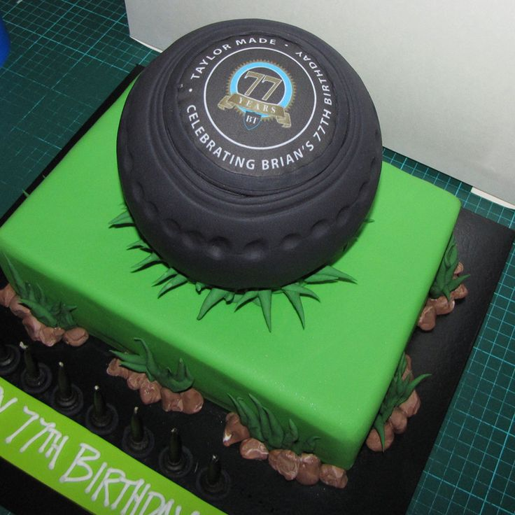 Green Cake Decorations Uk : 13 best images about crown green bowling cake on Pinterest ...