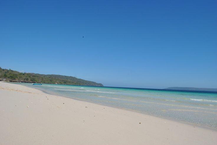 Pantai Nirwana Pesona Gradasi Warna Laut di Sulawesi Tenggara - Sulawesi Tenggara