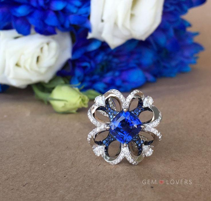 Fantastic elegant design golden ring with unheated blue sapphire and diamonds by Gem Lovers❤️❤️❤️ Прекрасное ювелирное изделие кольцо с сапфирами и бриллиантами от Gem Lovers gemlovers.ru