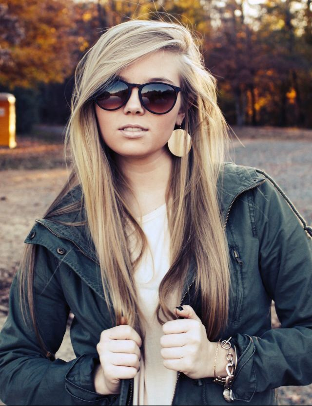 The straight hairstyles will look way too elegant and graceful when compared with the wavy hairstyles. Their simple style and look made them very popular and welcomed among those young ladies. If you are a girl born with fine and thick hair, the straight hairstyle will flatter your natural hair texture to its most. Today,[Read the Rest]