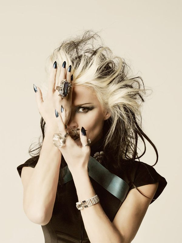 How Did I Not Know Of This Woman Of Great Style Until Now? - My Kind Of Kick-Ass Bitch - Daphne Guinness -