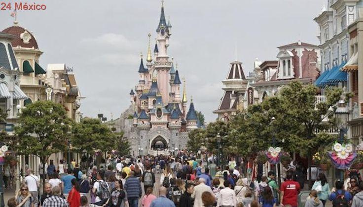 """Disneyland se disculpa por prohibir a un niño ser """"Princesa por un día"""""""