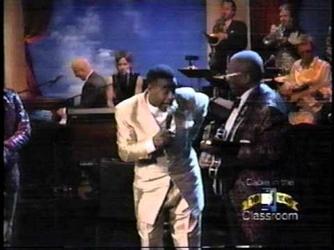 """▶ Al Green feating BB King, Lenny Kravitz, Sheryl Crow ---- """"Take Me To The River"""" - fun to see familiar faces in the crowd..."""