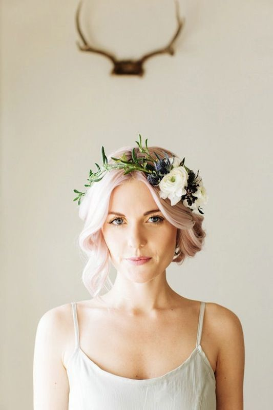 love the simplicity of the flower crown with the short hairstyle