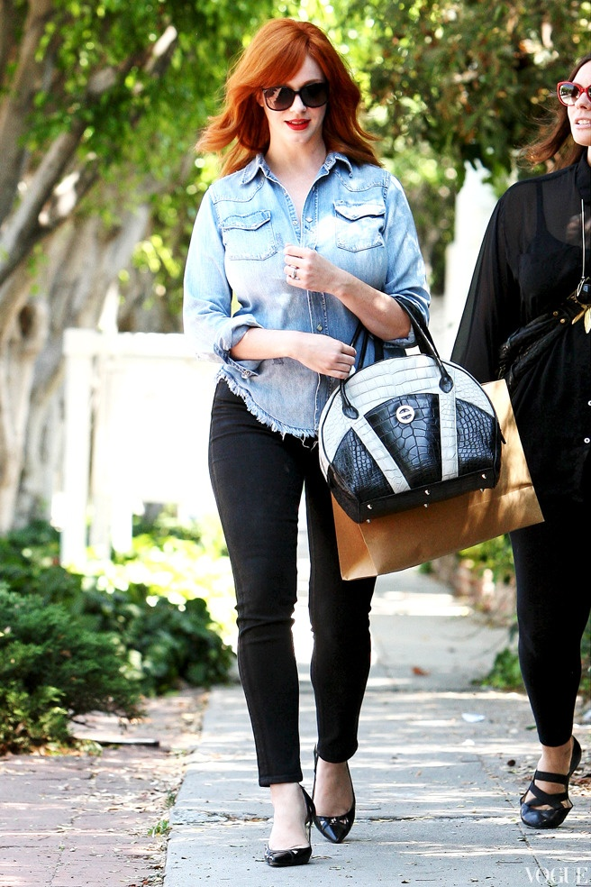 Кристина Хендрикс в Калифорнии/Christina Hendricks shopping in California