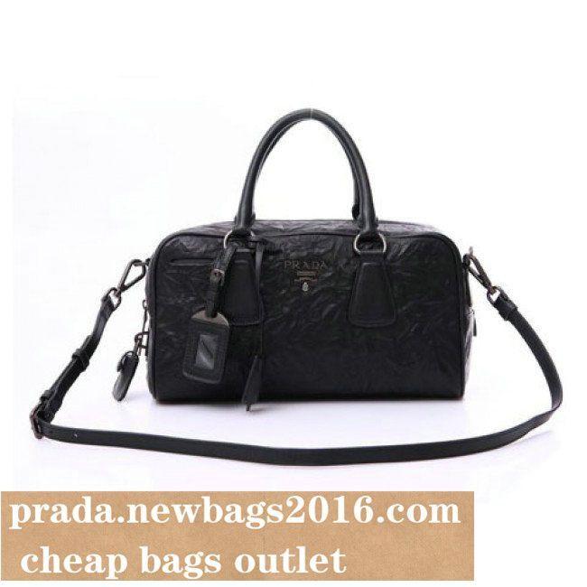 #Prada Galleria bag #PRADA BAG IN CALF LEATHER BLACK BL0758