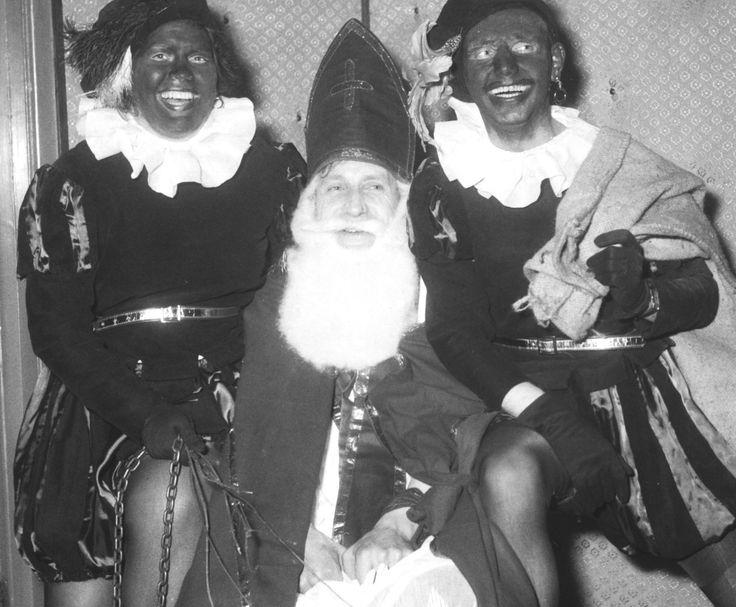De roe, ketting en de zak...   R.K. Bakkerspatroonsbond Sint Nicolaas, afdeling Oost-Brabant; Sinterklaas en zwarte pieten. 1954