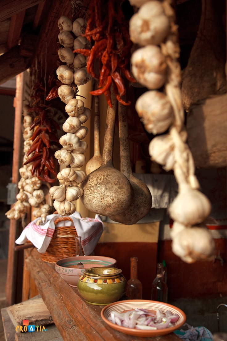 Garlic is an indispensable ingredient in Croatian gastronomy. #gastronomy #food #croatia
