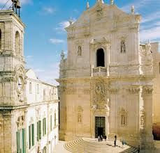 Martina Franca, in the province of Taranto, with beautiful views on stunning Val d'Itria is located in the countryside, is perfect if you want a quiet space where to rest after your travels, maybe even staying in a trullo.