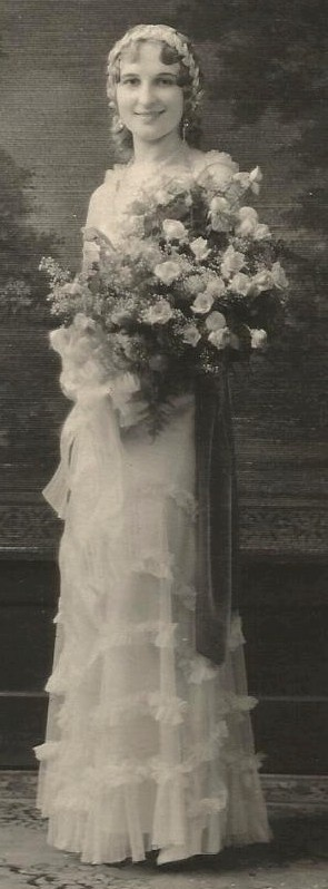 Pretty Bride 1920s