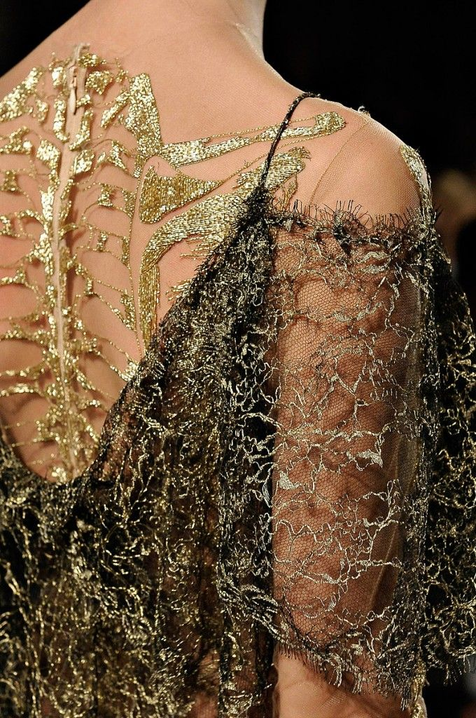MARCHESA, AW12. I love Marchesa don't get me wrong but I feel like Jean Paul Gaultier & Alexander McQueen kinda own skeletons