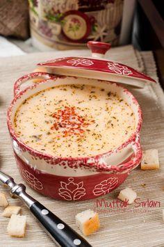 Yayla Çorbası (Artan Pilavdan). Yogurt soup with rice and dried mint, red pepper flakes on top for a twist