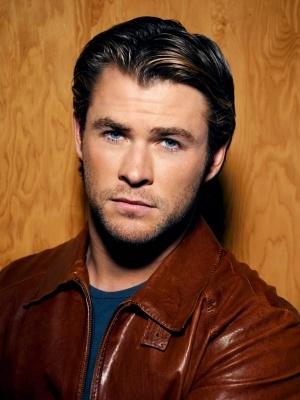 Chris Hemsworth <3: Eye Candy, Chris Hemsworth Thor, Beautiful Men, Chrishemsworth, Celebrity Photoshoot, Sexy Men, Beautiful People, Hot Guys, Christopher Hemsworth