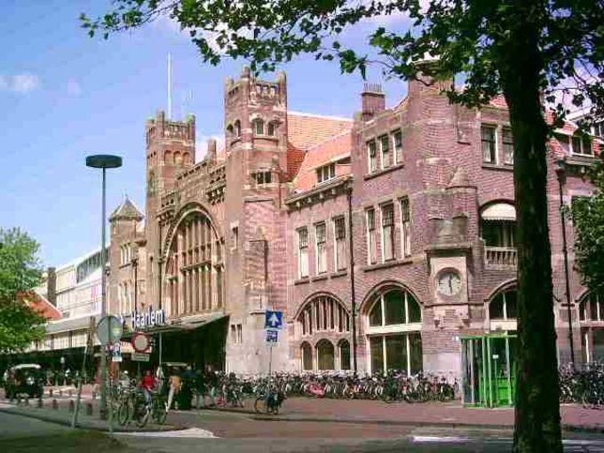 Station Haarlem omstreeks 2004 - Serc