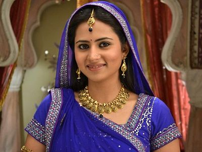 Premature delivery for Ganga in Balika Vadhu!