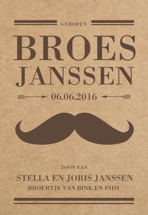 Uniek vintage geboortekaartje met typografische elementen en een vintage snor in bruine tinten op een kraft karton achtergrond.