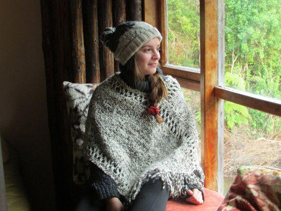 Poncho en lana de oveja por Patagoniacowilij en Etsy