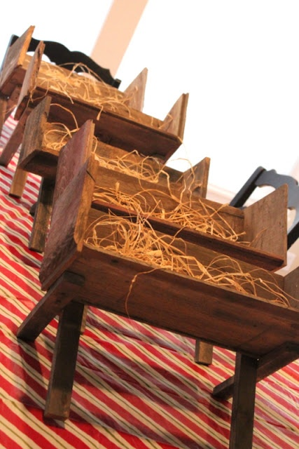 DIY Manger for Christmas - Crafty Sisters