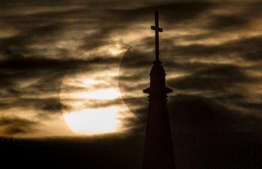 Eclissi parziale di Sole, South Bend, Indiana (Ap)