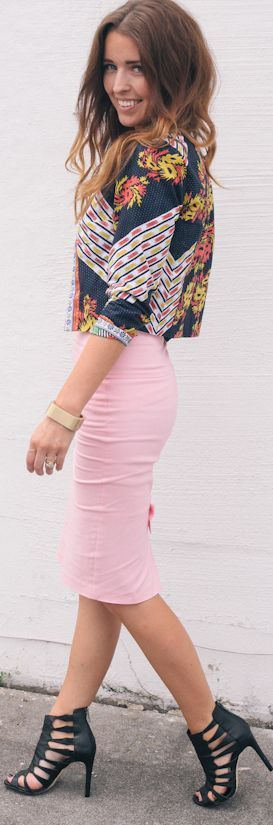 Pink fitted midi skirt & print top