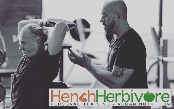 Paul Kerton @hench_herbivore Personal Trainer and Vegan nutritionist #norwich #stillfocusedmedia #vegan #plantbasedgains #henchherbivore #phoenixgymnorwich (at Phoenix Gym Norwich)