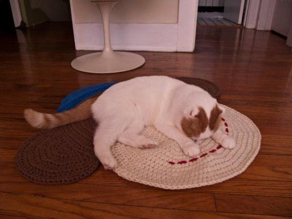 Calcetín mono alfombra de ganchillo por PeanutButterDynamite