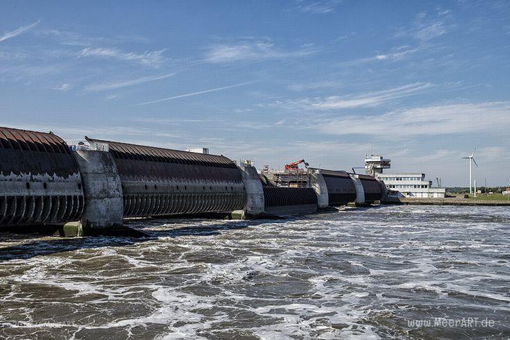 Das Eider-Sperrwerk // #Nordsee #Eider #EiderSperrwerk #Eiderstedt #Nordfriesland #MeerART / gepinnt von www.MeerART.de